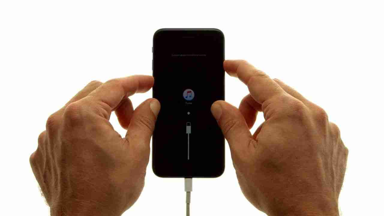 You are currently viewing Come mettere iPhone in modalità di recupero – iPhone 7  iPhone 7 Plus