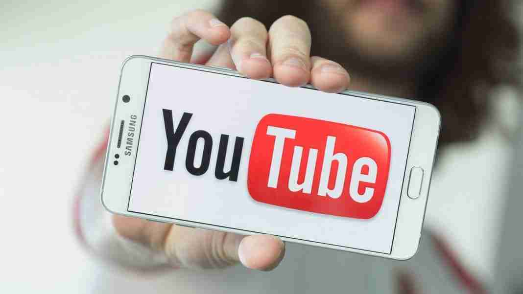 Video youtube a schermo spento su Android