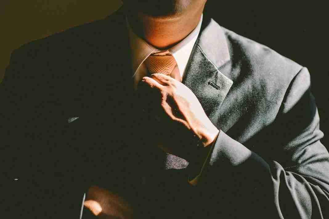 You are currently viewing Come fare nodo alla cravatta : le migliori app per android e iOS