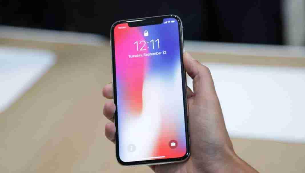 You are currently viewing Prezzi iPhone X comprarlo subito o aspettare: la differenza di costo tra i paesi