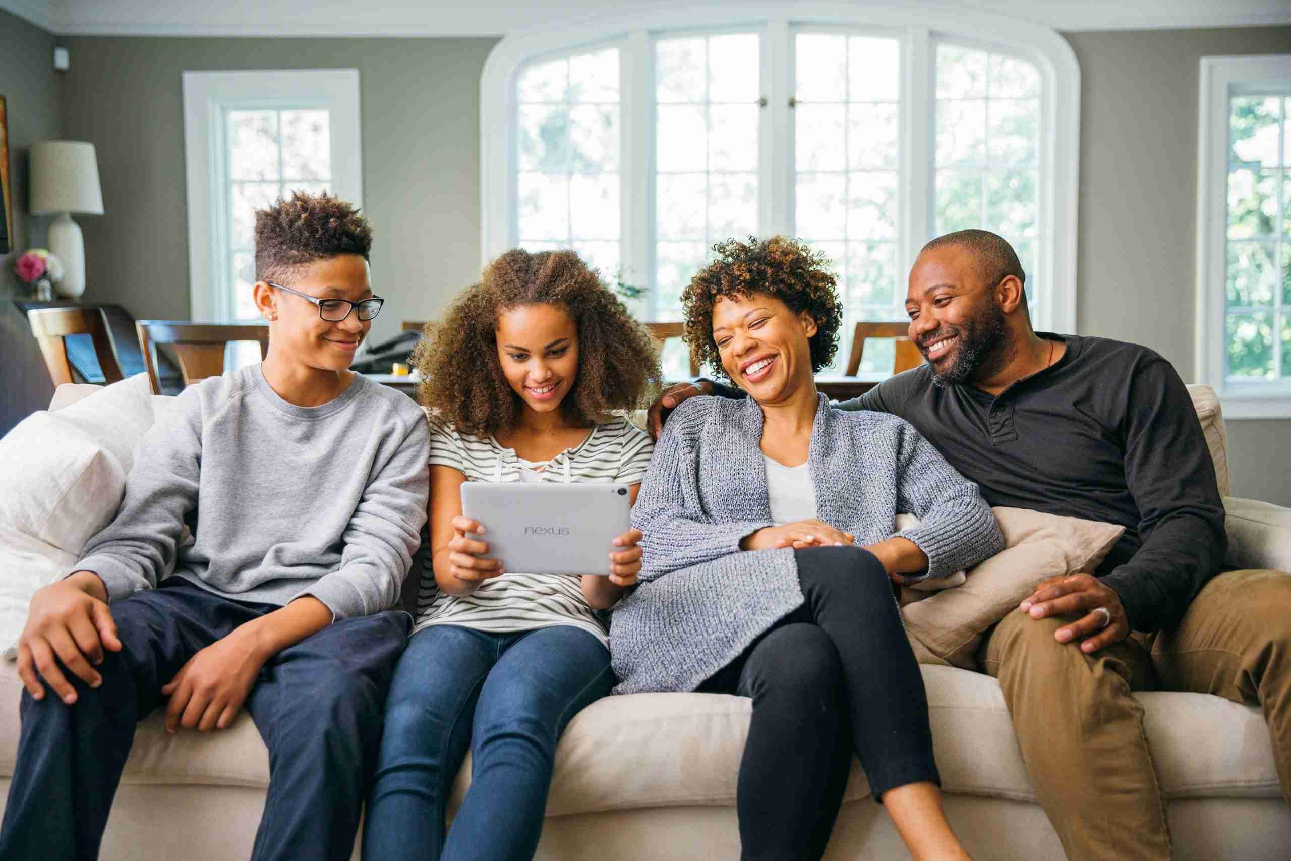 Gruppo famiglia su Google Play: condividi app a pagamento, i film e altro su Android