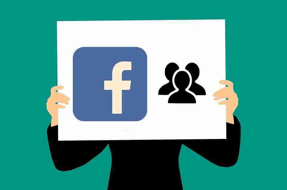 Come salvare le chat di Facebook Messenger