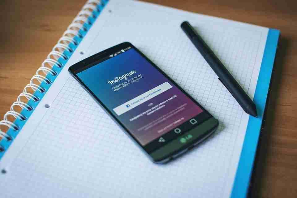 Come togliere i dati di login Instagram e impedirne l'accesso automatico