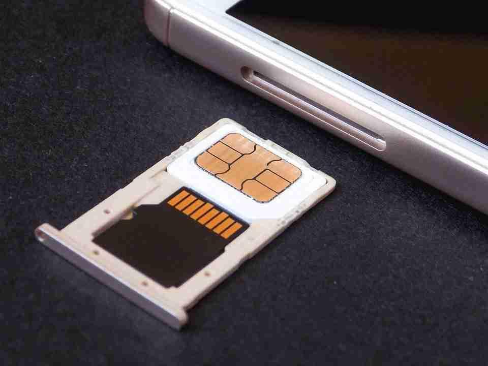 Come aumentare memoria interna di uno smartphone Android con SD