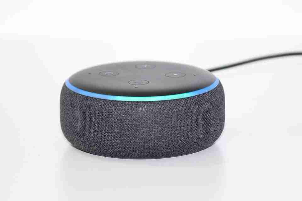 Come cambiare voce Alexa su dispositivo Echo: lingua, velocità e tono