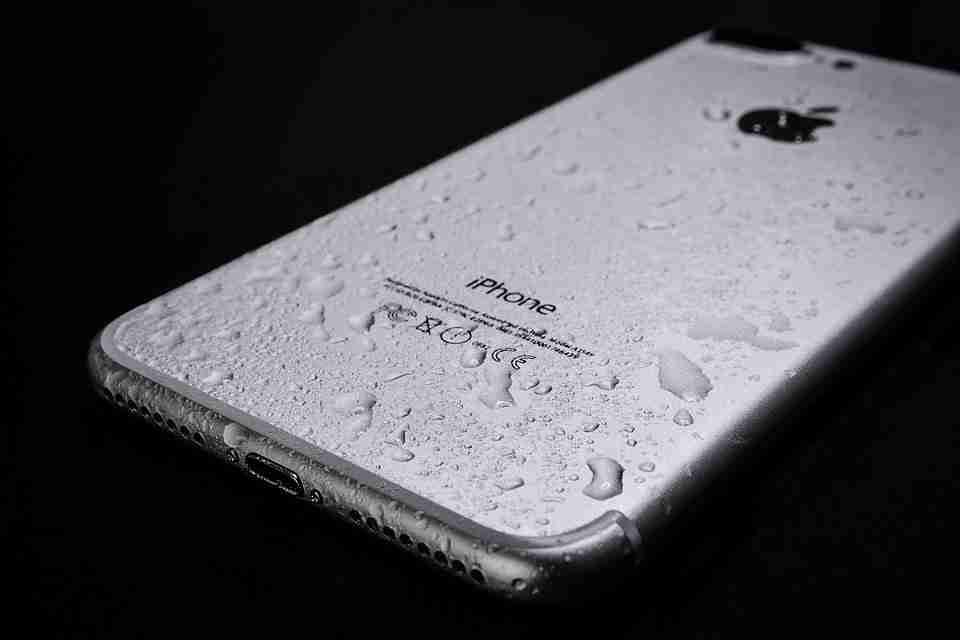 Smartphone resistenti all'acqua: cosa significa e cosa sono i codici IP