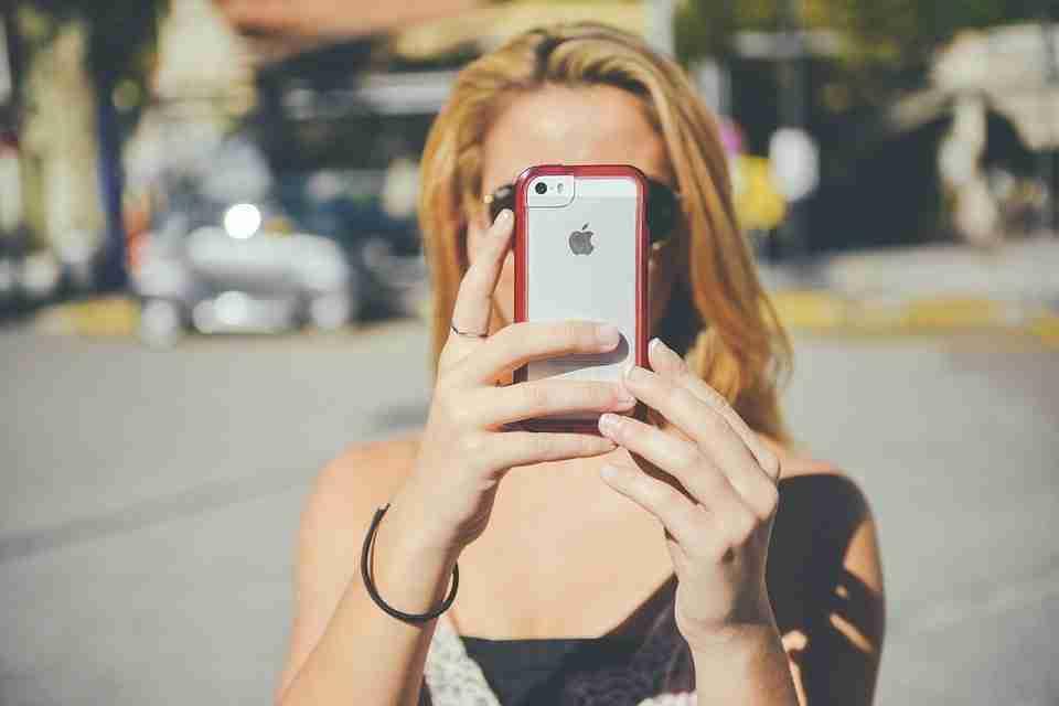 Come disattivare il suono della fotocamera e gli screenshot su iPhone